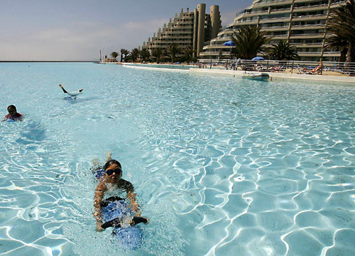 world-largest-swimming-pool-5.jpg
