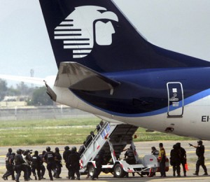 Plane hijacked in Mexico