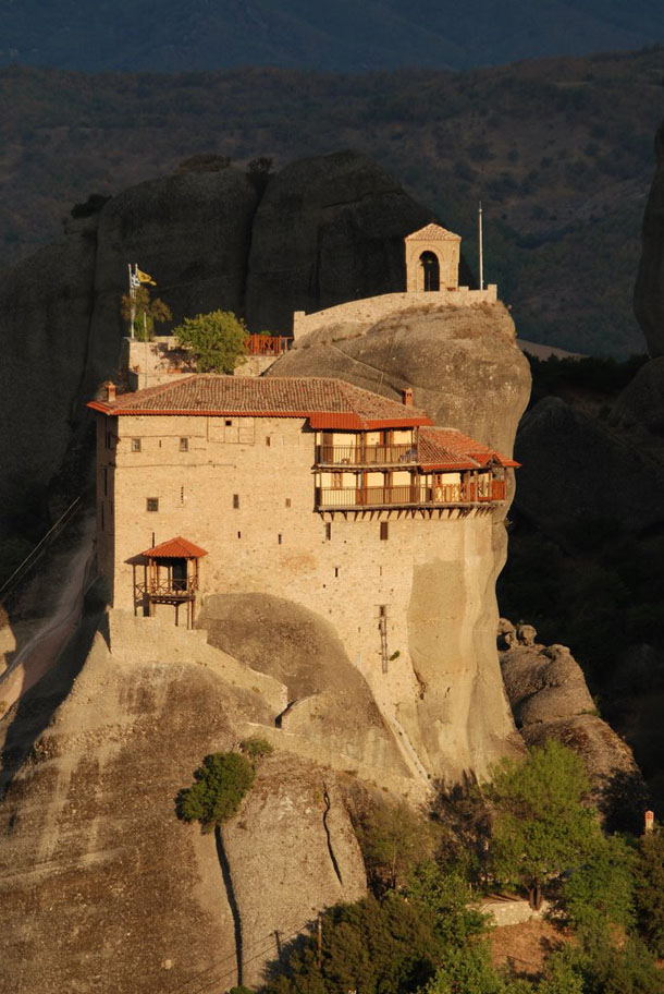 The Monasteries of Meteora, Greece  SMART TRAVEL GUIDE
