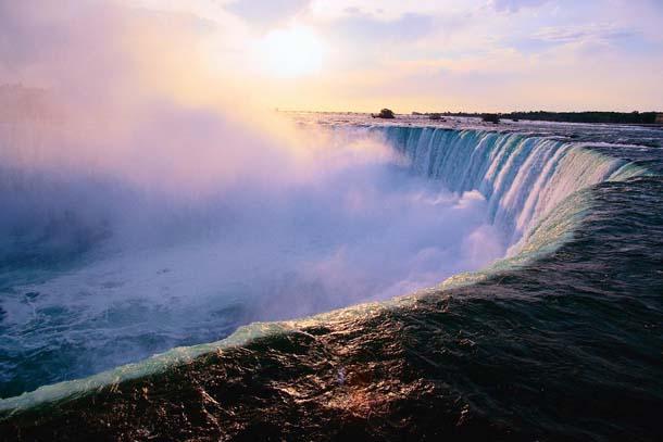 Toronto & Niagara Waterfalls