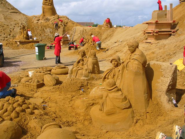 Building Sand Sculptures