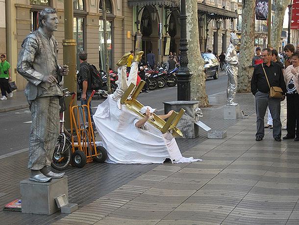 Performers on Las Ramblas, Barcelona