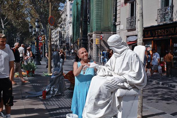 White Statue on Las Ramblas