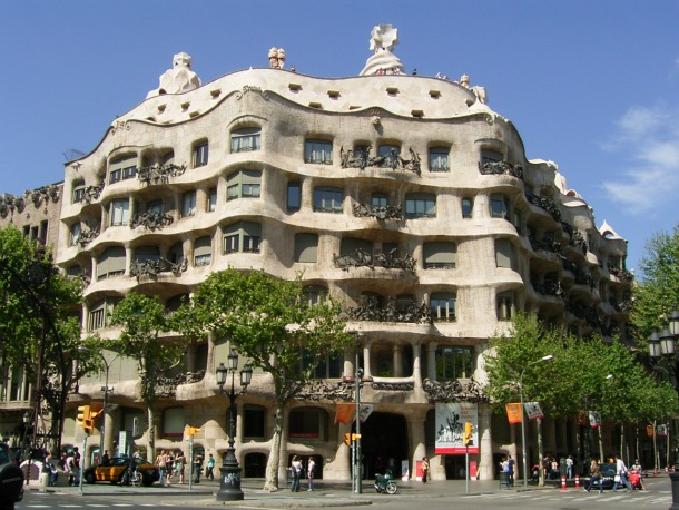 Gaudi's House, Barcelona - Source brodyaga.ru