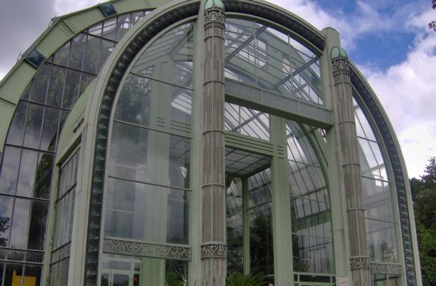Greenhouses in Paris Les Serres d'Auteuil - Front View