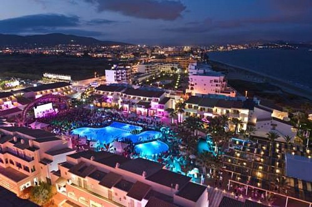 Ushuaia Beach Hotel, Ibiza, Spain - Source hotels-world.com