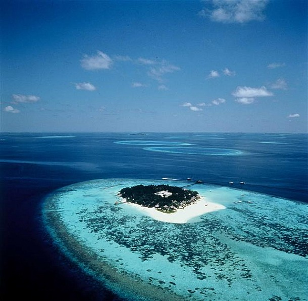 Vanishing Maldives - Source tx.english-ch.com