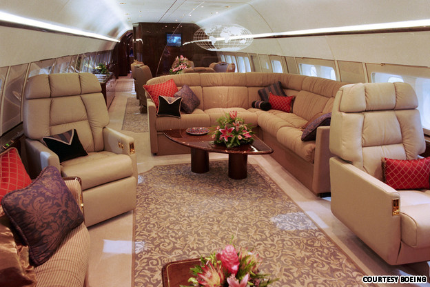Luxury Business Offices in Boeing 737 - Source cnngo.com