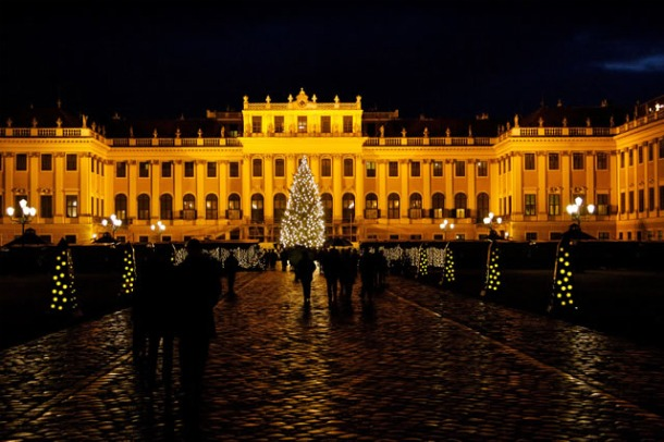 Christmas Market in Vienna Schonbrunn - Source christmas-markets.at