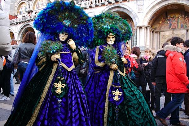 Venetian Carnivale 2012 - Costumes Parade - Source lh3.googleusercontent.com_