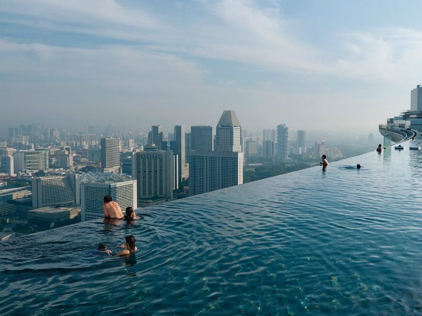 Infinity Pool Hotel Singapore - Source photography.nationalgeographic.com