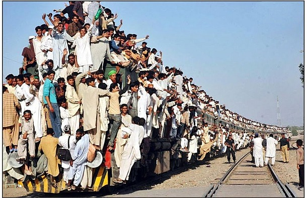 The Most Crowded Train in Pakistan