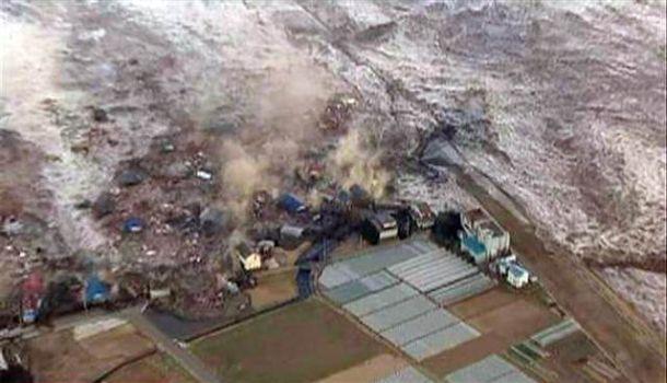 tsunami jepun, gambar tsunami melanda di jepun , japan tsunami 2011, tsunami tragedi 2011